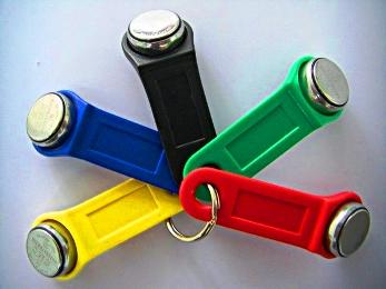Универсальный ключ для домофона, так называемый домофонный ключ таблетка, магнитик. магнит, Универсальный...